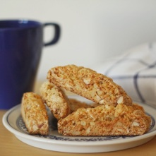 Biscotti (just one piece!).